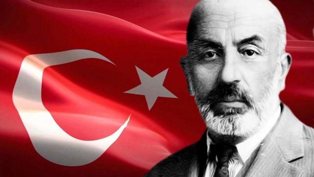 İstiklâl Marşı, TBMM tarafından tam 100 yıl önce Türkiye'nin ulusal marşı olarak kabul edildi. İstiklâl Marşı'nın kabulünün 100'üncü yılı olan 2021, Cumhurbaşkanlığı genelgesiyle 'Mehmet Akif ve İstiklâl Marşı Yılı' ilan edildi. 'Korkma! Sönmez bu şafaklarda yüzen al sancak' cümlesiyle başlayan İstiklâl Marşı, Mehmet Akif Ersoy'un bir rica sonucu Ulusal Marş Yarışması'na katılmasıyla Türkiye'nin ulusal marşı seçildi. O ricada bulunulmasaydı Türkiye'nin ulusal marşı, Ulusal Marş Yarışması'nda finale kalan 6 şiirden biri olacaktı 100. yıl   Son dakika: İstiklâl Marşı'nın kabul edilişi kutlanıyor!    Milli bayramlarda, devlet törenlerinde, okullarda, spor müsabakalarında, milli günlerde, milli açılışlarda, milli törenlerde, milli kutlamalarda hep bir ağızdan seslendirdiğimiz İstiklâl Marşı, yaşadığımız günlerin mimarlarını, kim olduğumuzu ve gücümüzü hatırlatıp gelecek günler için şevk veriyor.   İstiklâl Marşı 100 yaşında... Mehmet Akif Ersoy'un yazdığı İstiklâl Marşı, 12 Mart 1921'de TBMM'de Türkiye'nin ulusal marşı olarak kabul edildi.  İstiklâl Marşı'nın kabul edilişinin 100'üncü yılı, Cumhurbaşkanlığı genelgesiyle 'Mehmet Akif ve İstiklâl Marşı Yılı' olarak kutlanıyor.