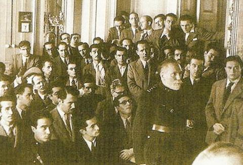Aralarında Nihal Atsız ve Alparslan Türkeş'in de bulunduğu Türkçüler, tabutluklarda maruz kaldıkları işkencelerin ardından çıkarıldıkları mahkemede hazsız ithamlarla suçlanmışlardı