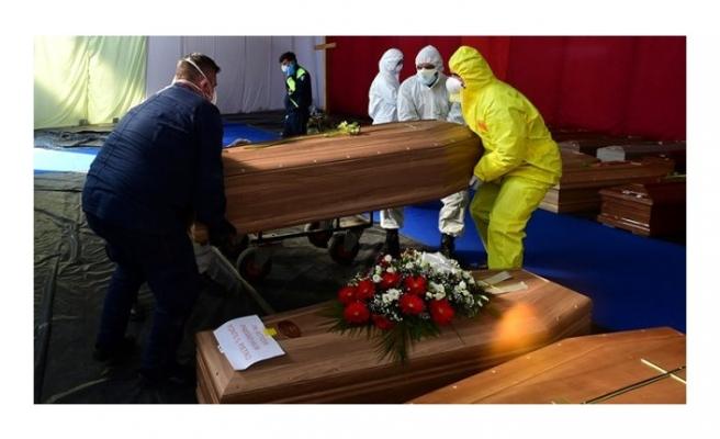 Son Dakika: İtalya'da son 24 saatte koronavirüs nedeniyle 525 kişi hayatını kaybetti