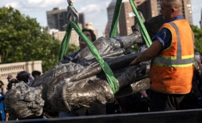 ABD'de sömürgeciliği başlatan Kristof Kolomb'un heykelleri yıkılıyor