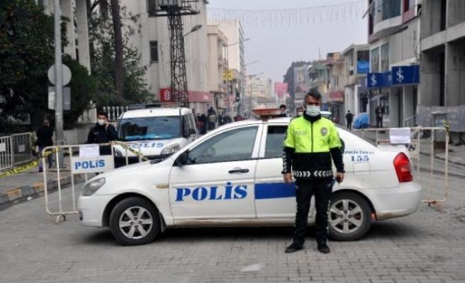 Reyhanlı'da bazı cadde ve sokaklar araç trafiğine kapatıldı