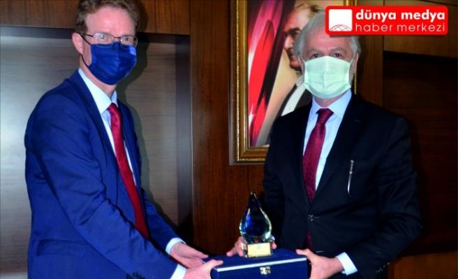 AB Türkiye Delegasyonu Başkanı Büyükelçi Nikolaus Meyer-Landrut ve Beraberindeki Heyet İTSO'yu Ziyaret Etti.