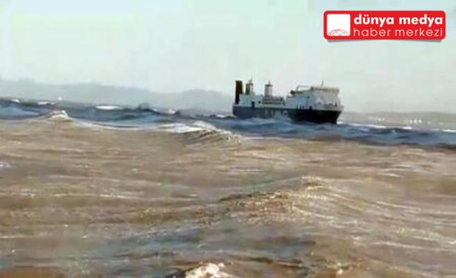İskenderun'daki Hayalet Gemi  Karaya Oturdu