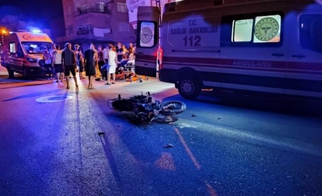 Samandağ'daOtomobil ile   motosiklet çarpıştı: 2 yaralı