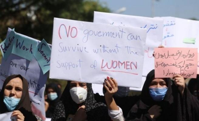 Afganistan'da kadınlar hakları  için gösteri yaptı