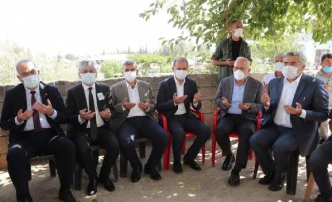 Aile ve Sosyal Hizmetler   Bakan Yardımcısı İsmail Ergüneş   Hatay'da taziye ziyaretinde bulundu