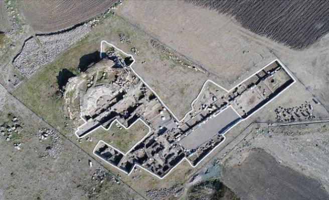 Erzin'de tapınaktan dönüştürülmüş 3 nefli kilise