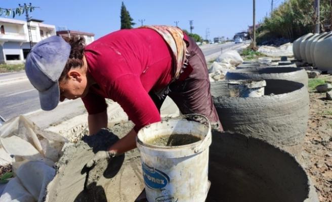 Gastronomi şehri Hatay'da  kadınlar killi topraktan  ürettikleri tandırlarla aile bütçelerine katkı sağlıyor