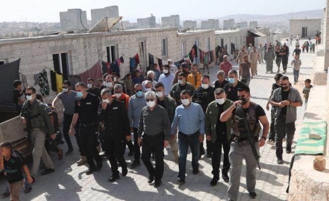 Hatay Valisi Rahmi Doğan, İdlib bölgesinde   Briket evlerde inceleme Gerçekleştirdi