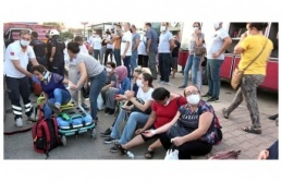 Minibüs TIR'a çarptı: 12 yaralı