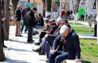 Son Dakika: 65 yaşın üstündekilere sokağa çıkma...