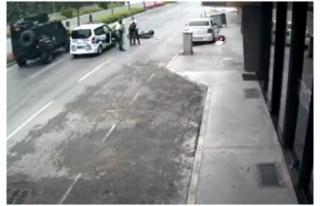Motosiklet çalmaya çalışan hırsız, dayak yedi