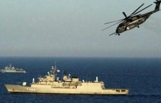 Türk donanması, Akdeniz'de Türk kargo gemisini...