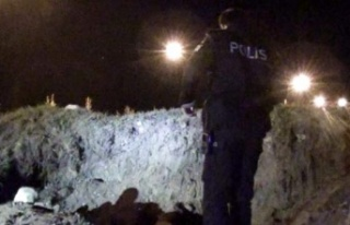 İzmir'de kaçak kazı yapılan alanda göçük...