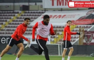 Atakaş Hatayspor Başakşehir maçının hazırlıklarına...