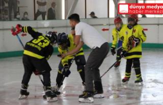 Hatay'da buz hokeyi turnuvası yapıldı