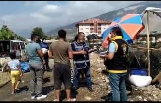 İskenderun Kurban pazarında polis vatandaşı uyardı