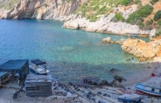 Akdeniz'de korsanların saklandığı Karamağara...