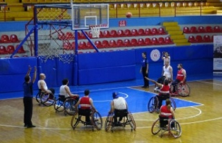 """Hatay'da """"tekerlekli sandalye basketbol..."""