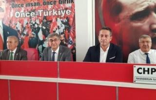 CHP'li Başarır ve Kaya İskenderunlu partililerle...