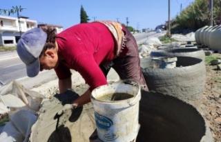 Gastronomi şehri Hatay'da kadınlar killi topraktan...
