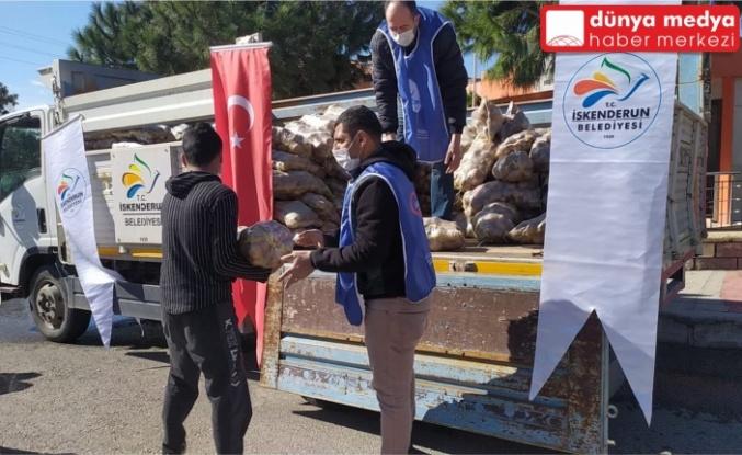 İskenderun Belediyesi İhtiyaç Sahiplerine Patates Dağıttı!