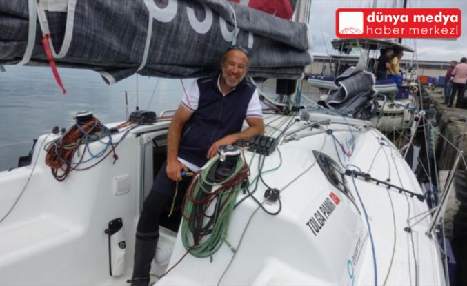 Yelkenci Tolga Pamir, Türkiye'nin dört denizini  aşacağı yolculuğuna Hopa'dan başladı
