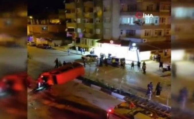 Defne'de minibüs ile otomobil   çarpıştı: 7 yaralı