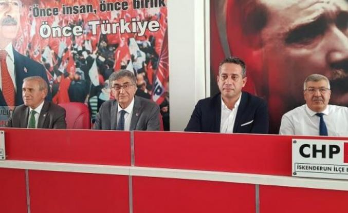 CHP'li Başarır ve Kaya İskenderunlu   partililerle bir araya geldi