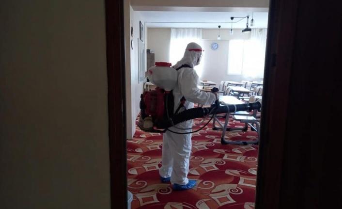 İskenderun Belediyesi Dezenfeksiyon Çalışmalarını Hız Kesmeden Sürdürüyor!